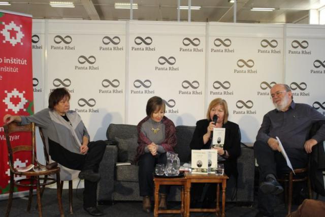 Madách Imre költeményeit is lefordították szlovákra, a képen: Daniela Kapitáňová, Jitka Rožňová, Jarábik Gabriella és Tóth Lászl