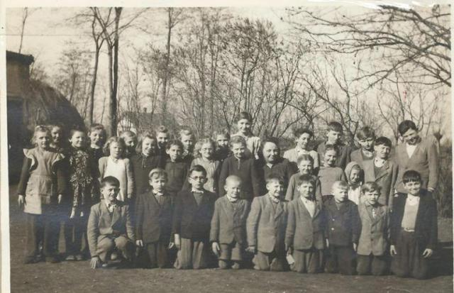 Az 1950-51-es iskolai év tanulói (Fotó: az iskolai krónikából)
