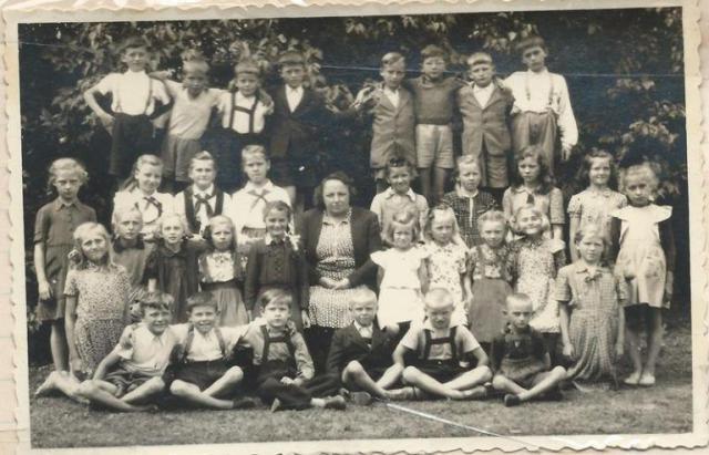 Az 1951-52-es iskolai év tanulói (Fotó: az iskolai krónikából)